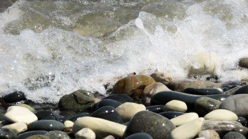 pebble beach stones sea