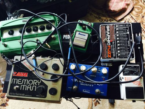 pedalai,gitaros pedalai,įranga,gitara,muzika,instrumentas,Rokas,iškraipymas,overdrive