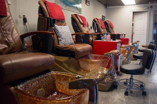 pedicure manicure treatment