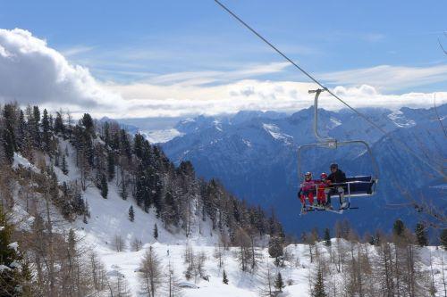 pejo skiing chairlift