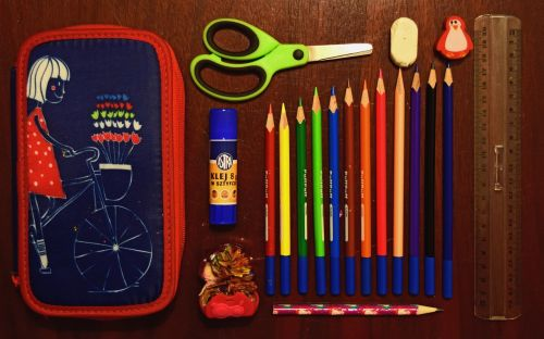pencil case sissors school