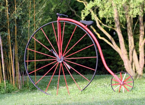 penny-farthing bicycle former