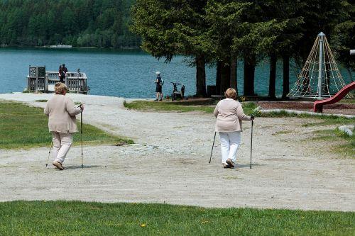 pensioners seniors retirement