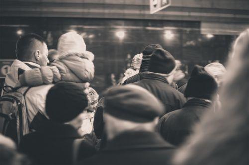 people crowd subway