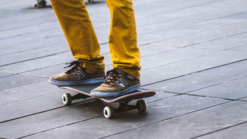 people skateboarding game