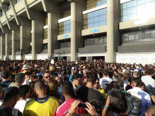 people stadium tail