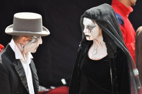people disguise vampire