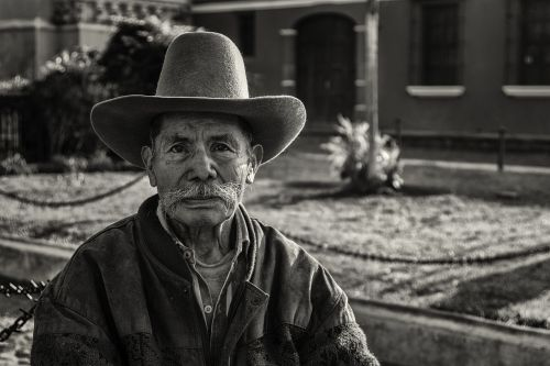 people,black and white,white,black,black background,man,garden,black and white photo,city,guatemala,antiguaguatemala
