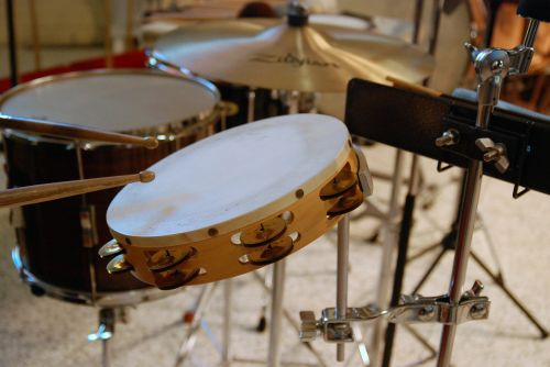 percussion tambourine field drum