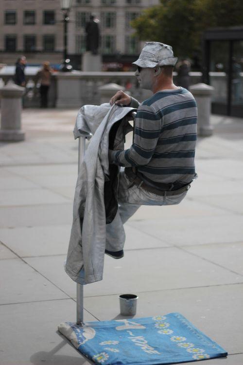 performer street statue