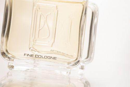 perfume smells con