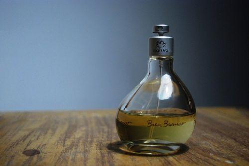 perfume natura table