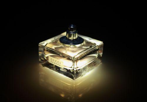 perfume bottle smell