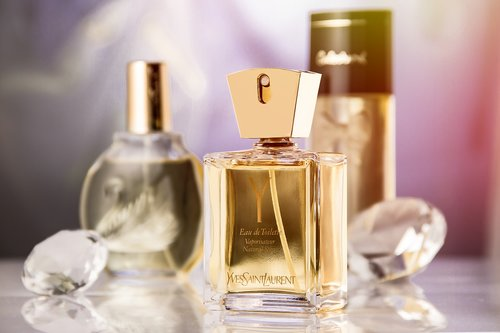 perfume  fragrance  product photography