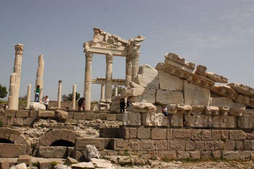 pergamon historical works turkey