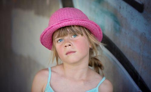 asmuo,žmogus,vaikas,mergaitė,skrybėlę,veidas,mėlyna akis,vaizdas,portretas,Uždaryti