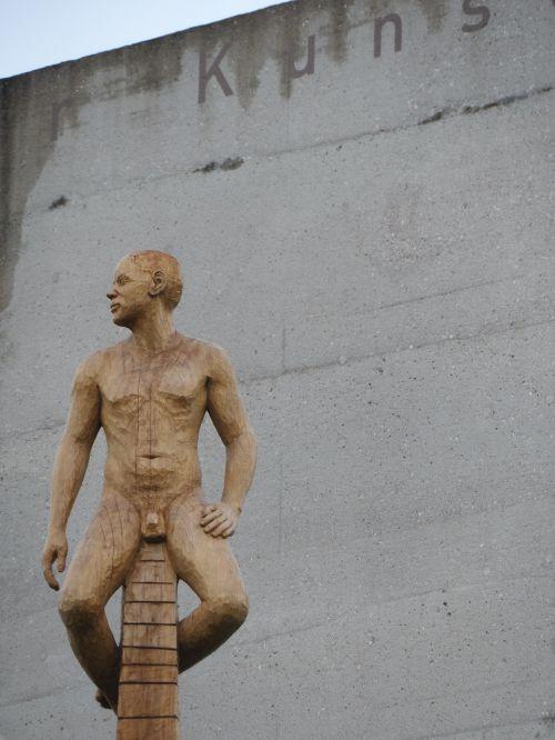 perspektivwechsel,gyvas nuogas,menas,skulptūra,martina kreitmeier,už meno ribų,atstovavimas,meno kūriniai,šiuolaikiška,mediena,ąžuolo,plastmasinis,figūra,meno objektas,objektas,Munich