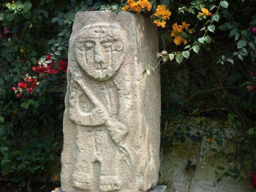 peru statue square