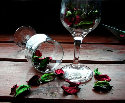 petals day wine glasses