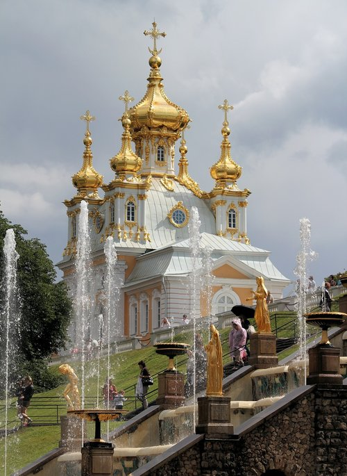 peterhof  gardens  church