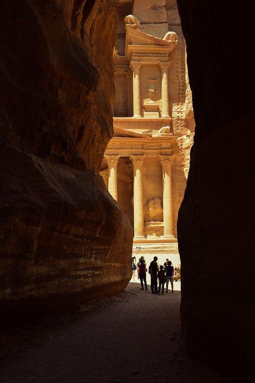 petra  jordan  canyon