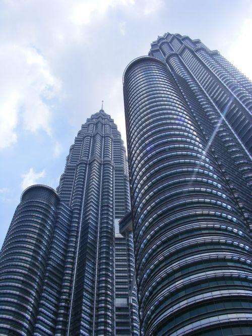petronas towers skyscraper kuala lumpur