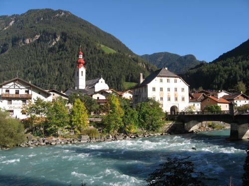 pfunds bergdorf river
