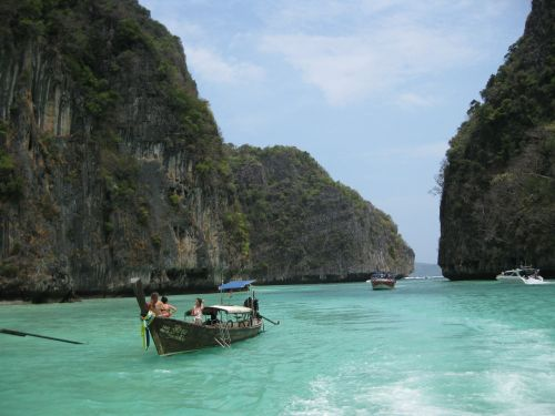 phi phi islands sea rocks