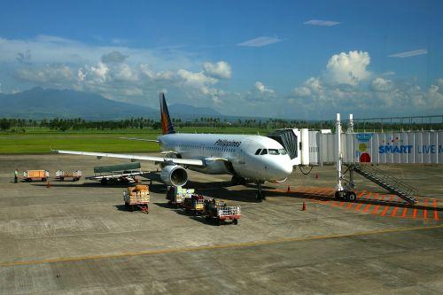 philippines airport plane