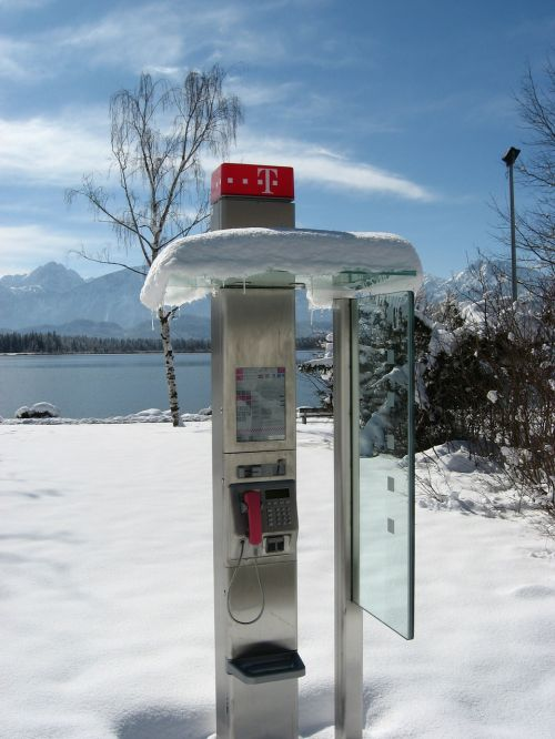 phone communication establishment of mediation