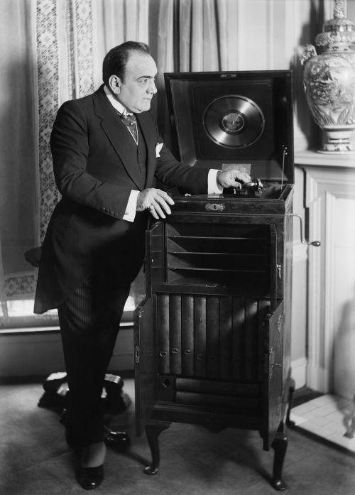 phonograph sound recorder enrico caruso