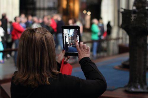 photograph woman photo tourists