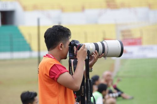 photographer lens nikon
