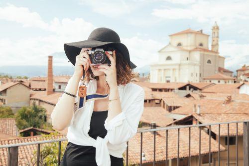 photographer tourist snapshot