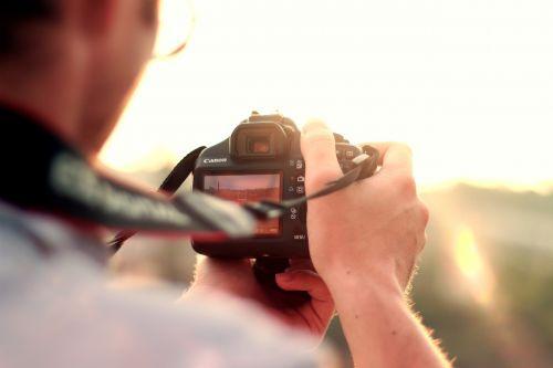 photographer dslr camera