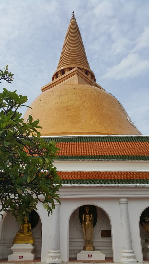 phra pathom chedi pagoda sathup