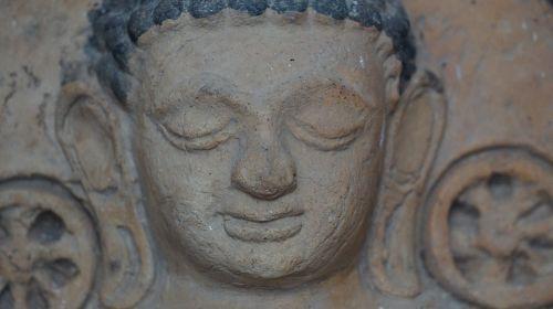 phra tharup output statue macros