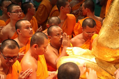 phramongkolthepmuni monks buddhists