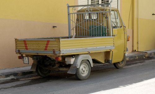 piaggio commercial vehicle italy