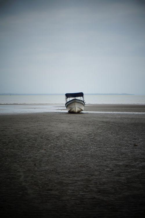 pianguita colombia boat