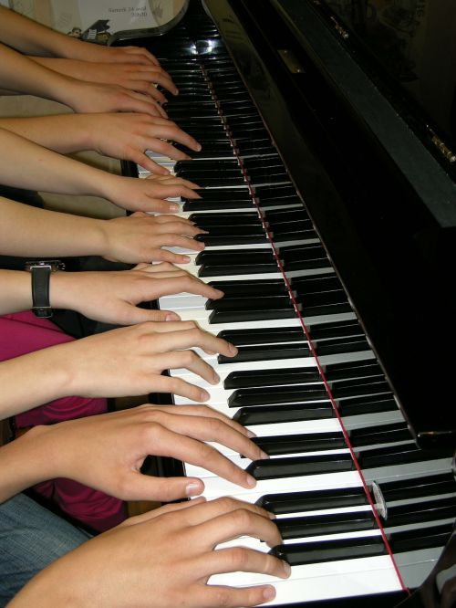 piano playing music