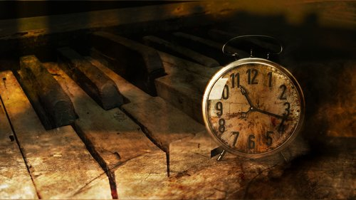 piano  clock  time