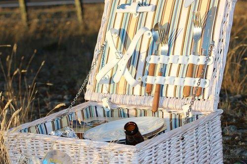 picnic  idyll  enjoy