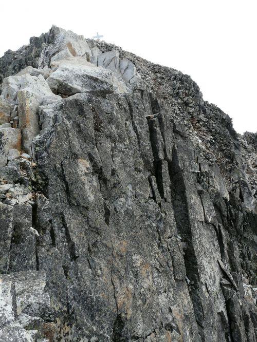 pico aneto mountain