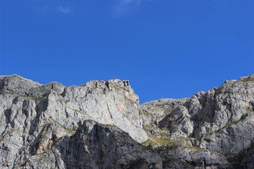 picos de europa cableway source pots
