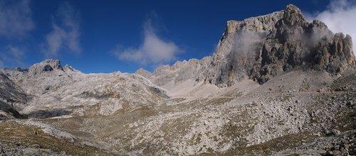 picos de europa  cantabria  spain