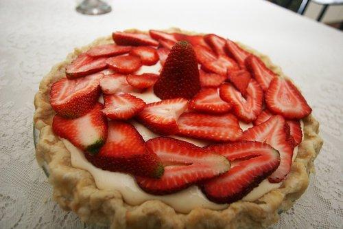 pie  strawberries  crust