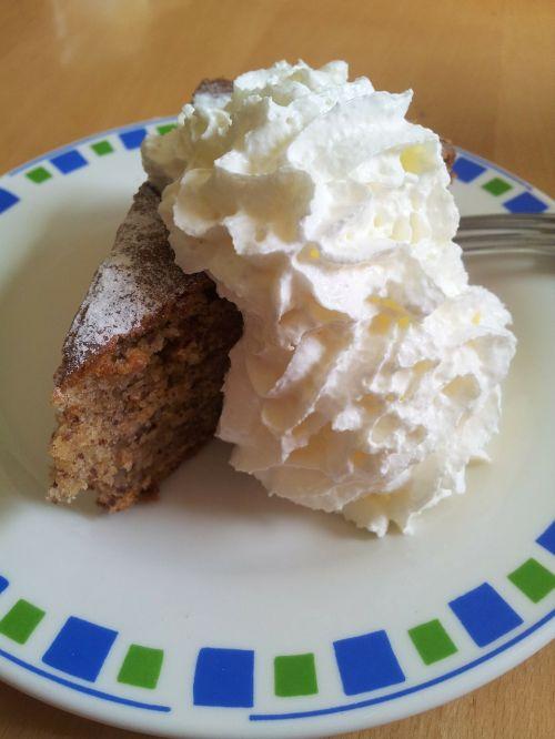 piece of cake cake hazelnut