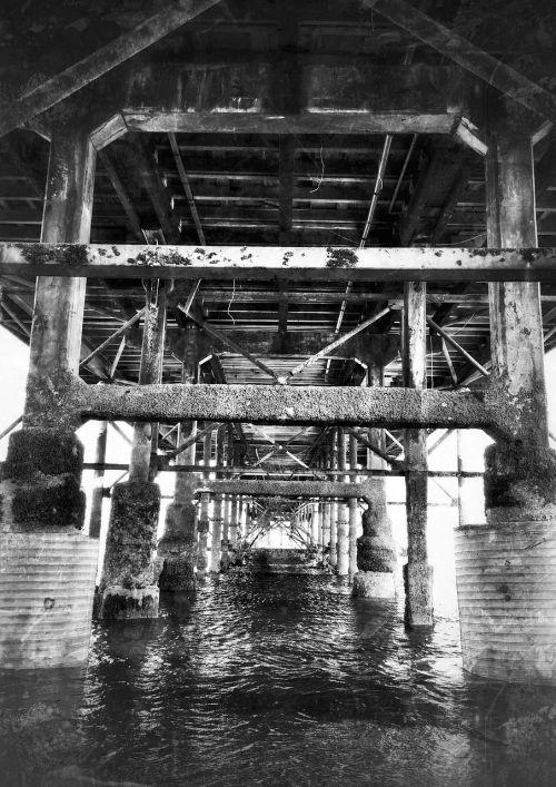 pier noir rusty