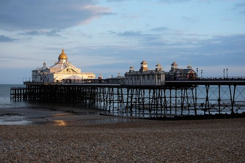 pier  eastbourne  evening